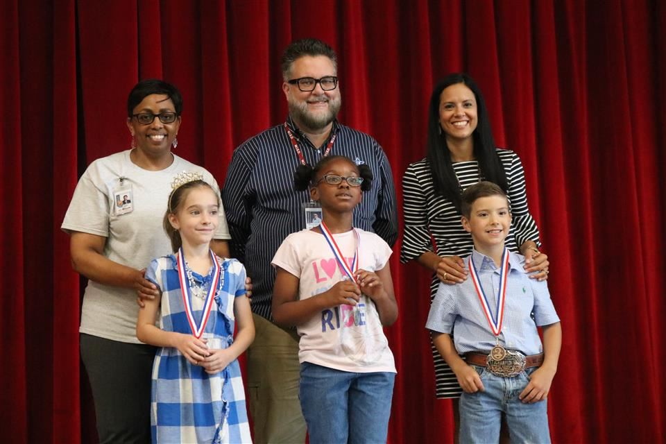 Photo of Elementary UIL Awards