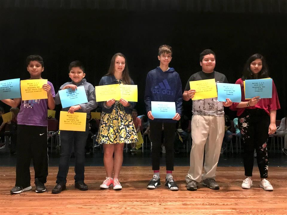 Photo of junior high Geography Bee champions