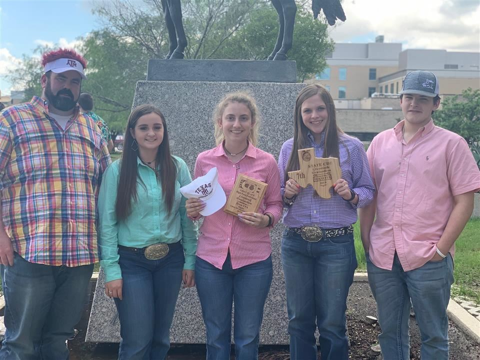 Photo of FFA Livestock Team