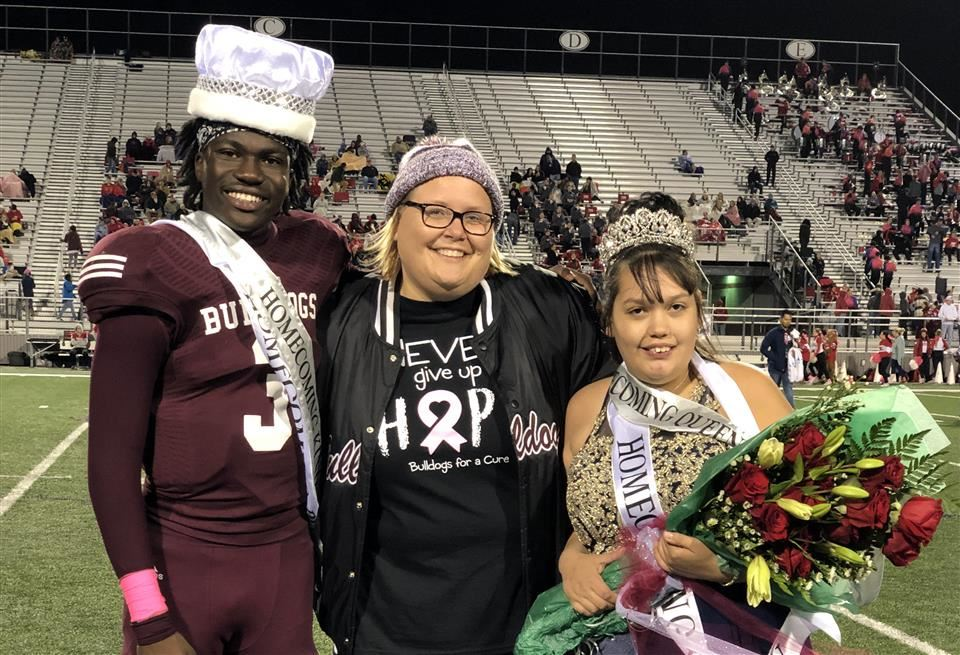 Photo of Homecoming King and Queen